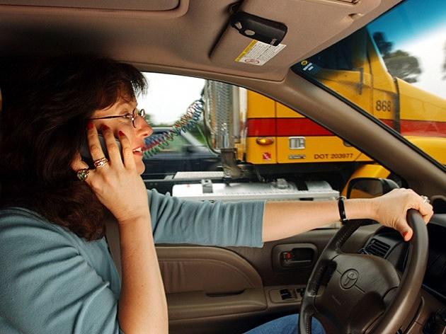 cellphone-driving1