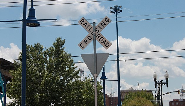 Railroad Crossing Sign2_ACurrier
