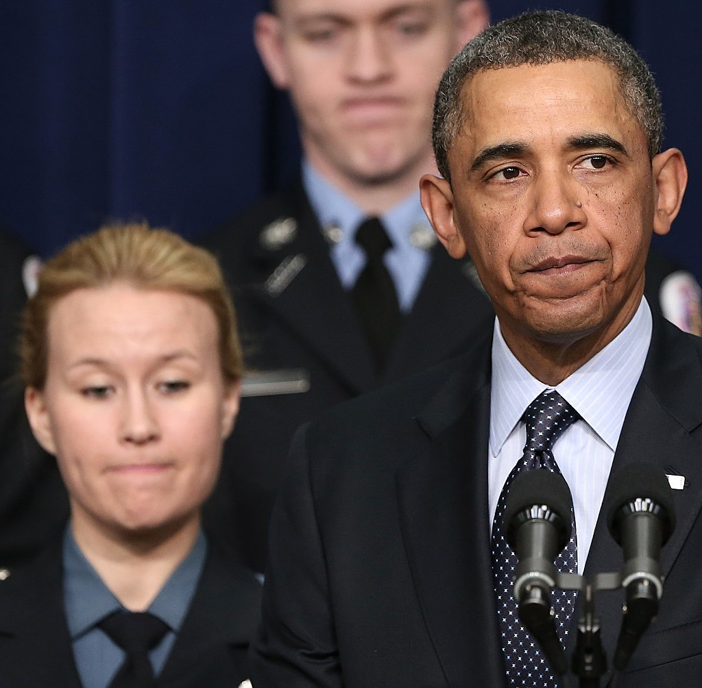 """Obama with """"first responders"""" who might be impaced by looming budget cuts in sequestraion"""