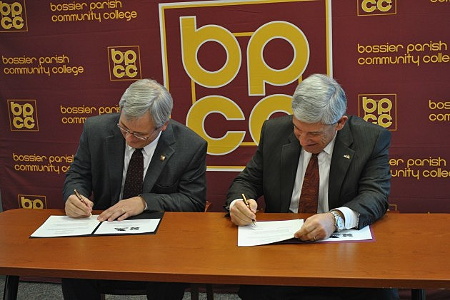 BPCC and ULM leaders sign agreement