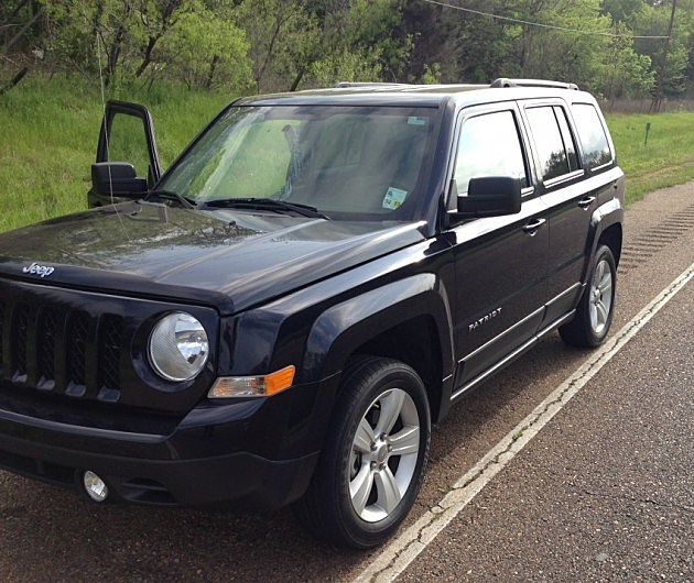photo of seized Jeep Patriot