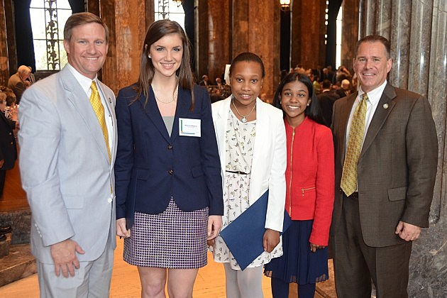 photo of Senator Peacock, Caddo Students of the Year, and Representative Seabaugh