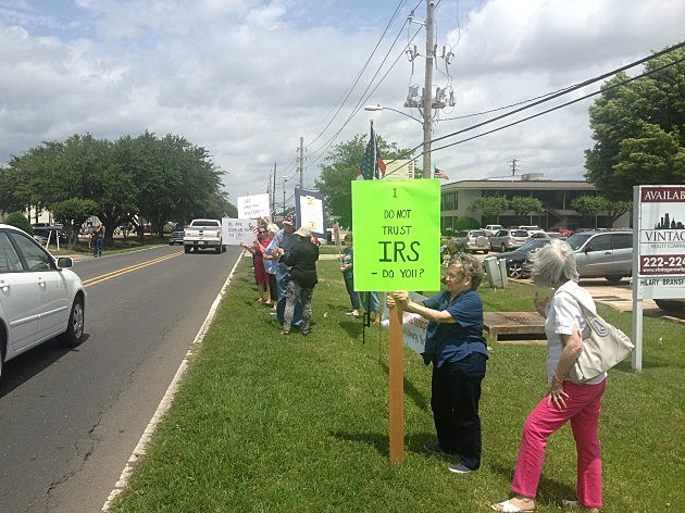 Local Tea Party Organizers Hold Protest at Shreveport IRS Office [VIDEO]