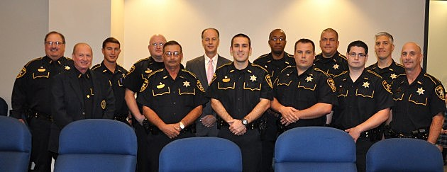 photo of Sheriff Whittington with new deputies