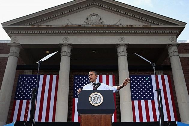 Obama Campaigns In Nashua, New Hampshire