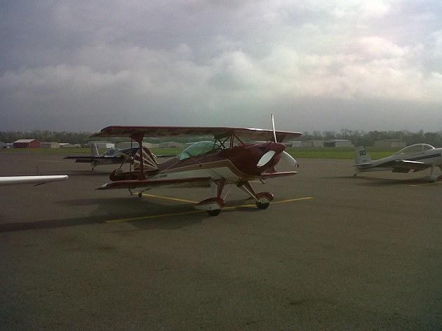 photo of aerobatic planes