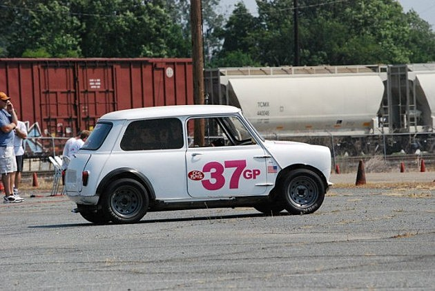 photo of my 1965 Austin Mini on course