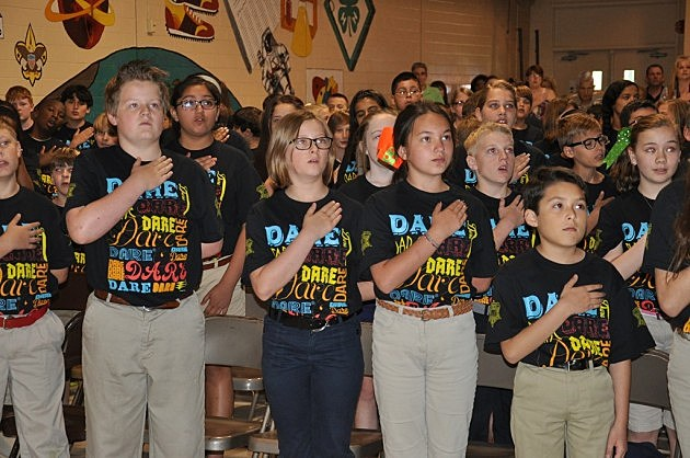 D.A.R.E. students recite the Pledge of Allegiance