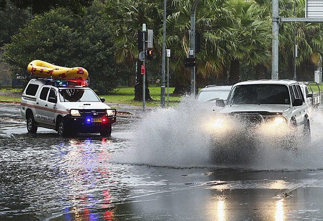 Heavy Rain Lashes Sydney As East Coast Low Moves Through NSW